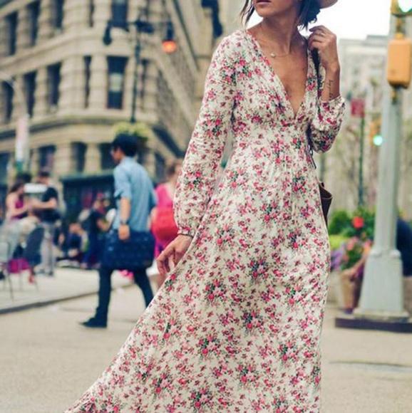 c12b9c61e12 V neck floral Bohemian Carneval Maxi Dress